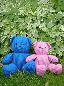 A Pair of Bears (and other knitted toys)