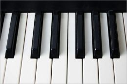 How to Play Piano: The Piano Lessons Every Beginner Must Have