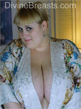 Maggie Dubonet BBW Big Boobs from DivineBreasts.com