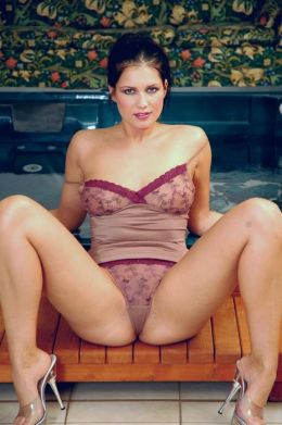 Cute Brunette Took Off Her Clothes(Adult Picture Book)
