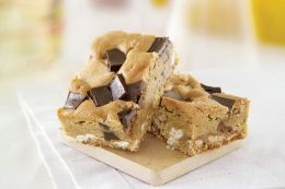 Toffee Crunch Blondie Brownies
