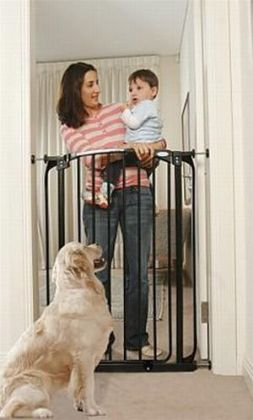 Dream Baby Extra-Tall Swing Close gate w/ 2 extensions - Black
