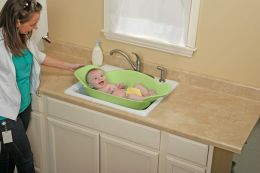 Dorel Juvenile Safety 1st Sink Snuggler Baby Bather, Green