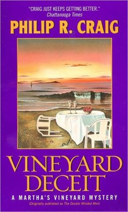 Vineyard Deceit (Martha's Vineyard Mystery Series #3)