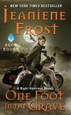 Jeaniene Frost - One Foot in the Grave (Night Huntress Series #2)