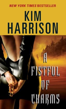 A Fistful of Charms (Hollows Series #4)