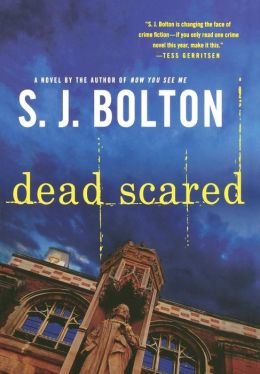 Dead Scared (Lacey Flint Series #2)