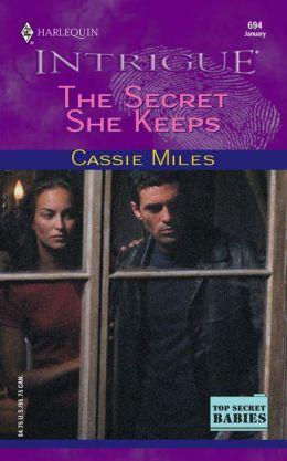 The Secret She Keeps (Harlequin Intrigue)