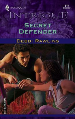 Secret Defender (Harlequin Intrigue Series, #818)