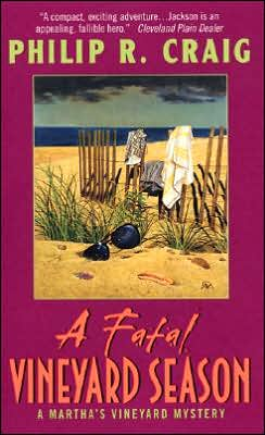 A Fatal Vineyard Season (Martha's Vineyard Mystery Series #10)