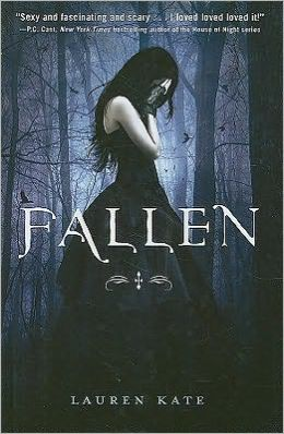 Fallen (Lauren Kate's Fallen Series #1)