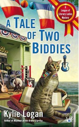 A Tale of Two Biddies (League of Literary Ladies Series #2)