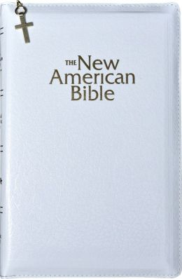 The New American Gift & Award Bible, White Imitation Leather, Zip-Cased