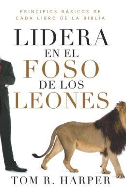 Lidera en el foso de los leones