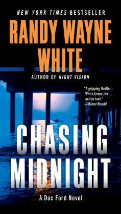 Chasing Midnight (Doc Ford Series #19)